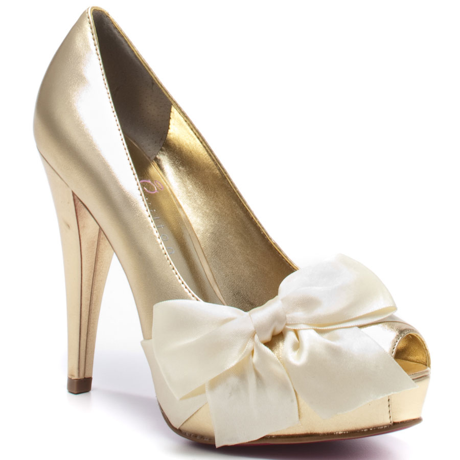 paris_hilton_destiny_ribbon_pumps_ivory_gold