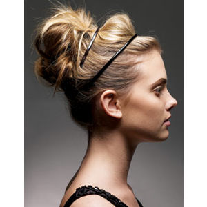 Spring-2011-Hairstyle-Messy-Bun-With-HeadBand